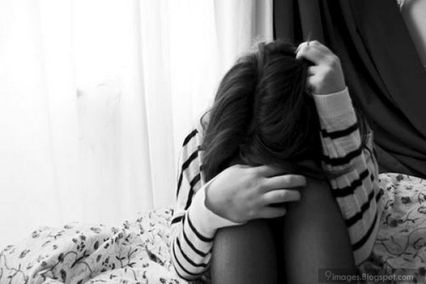 alone-crying-girl-stress-deep-lonely-love-hurts.jpg